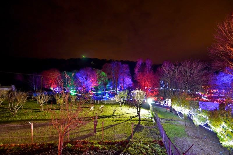 One of the best places to see christmas lights in the uk for Best places to visit for christmas