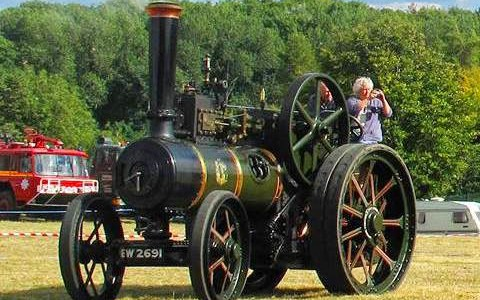 A traditional country steam show in the heart of the Cotswolds